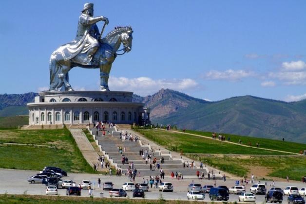 monument CHingishana1 Чингисхан.
