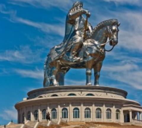 monument CHingishana2 238x3001 Чингисхан.